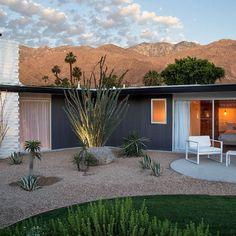 Visitamos el exclusivo hotel de Palm Springs en el que veranearon desde Marilyn Monroe a Reagan o Nixon. Un edificio 'midcentury' que el arquitecto William F. Cody erigió en 1952 en medio del desierto que ahora revive. #SoloEnLaWeb @lhorizonpalmsprings