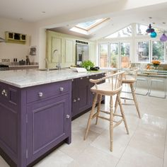 Looking for kitchen-diner design ideas? Take a look at this colourful kitchen-diner from Beautiful Kitchens for inspiration. For more kitchen ideas, such as how to decorate a kitchen-diner, visit our kitchen galleries Kitchen Family Rooms, Home Decor Kitchen, Kitchen Living, New Kitchen, Kitchen Design, Kitchen Ideas, Kitchen Inspiration, Kitchen Island, Beautiful Kitchens