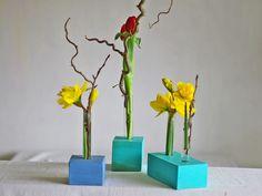 Vasen - Blumenvase aus Holz,Vase mit Reagenzglas in blau - ein Designerstück von restyled bei DaWanda