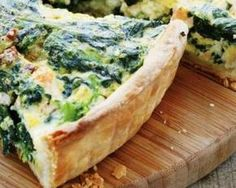 Spinach and Goat Cheese Quiche. (Alternate: Substitute half of the goat cheese with cream cheese. Healthy Cooking, Healthy Snacks, Cooking Recipes, Quiches, Leek Pie, Food Porn, Vegetarian Recipes, Healthy Recipes, Salty Foods