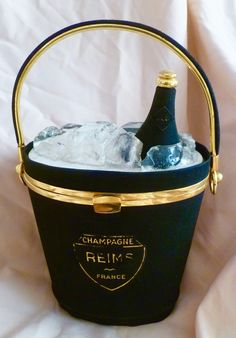 1940s Anne-Marie Reims Champagne bucket bag