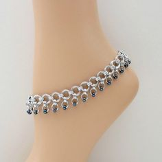 Chainmaille anklet with gunmetal iris seed beads. A nice bracelet design as well. Jump Ring Jewelry, Ankle Jewelry, Ankle Bracelets, Wire Jewelry, Jewelry Crafts, Beaded Jewelry, Jewelery, Handmade Jewelry, Beaded Bracelets