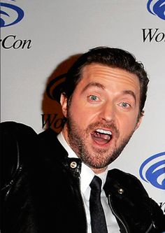 Screen Shot to compare with the new Twitter photo...Richard Armitage, Birthday Boy!
