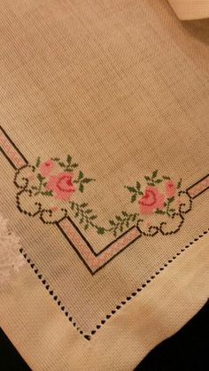 This Pin was discovered by Kev Cross Stitch Heart, Cross Stitch Borders, Cross Stitch Flowers, Cross Stitch Designs, Cross Stitch Patterns, Embroidery Patterns Free, Hand Embroidery Designs, Cross Stitch Embroidery, Bargello