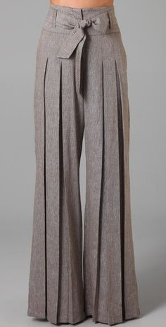 how to wear vintage: wide legs, high waist trousers (pantaloni palazzo a vita alta) - Paolasophia Look Fashion, Autumn Fashion, Womens Fashion, Trendy Fashion, Fashion Pants, Spring Fashion, Leggings Fashion, Girl Fashion, Fashion Outfits