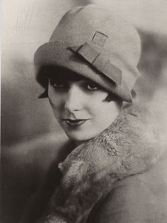 miss-flapper:  Louise Brooks and cloche hat, 1920s