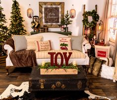 Celebrate the most wonderful time of the year with cozy Christmas decor. Mixes traditional and rustic elements to achieve that home-for-the-holidays feel!