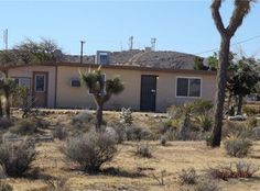 View 7 photos of this $94,999, 1 bed, 1.0 bath, 800 sqft single family home located at 58257 Sun Mesa Dr, Yucca Valley, CA 92284 built in 1957. MLS # JT16076592.