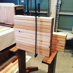2 x 4 project Farmhouse Dining Room Table, Farmhouse Style Table, Farmhouse Furniture, Rustic Farmhouse, 2x4 Wood Projects, Furniture Projects, Outdoor Projects, Beginner Woodworking Projects, Diy Woodworking
