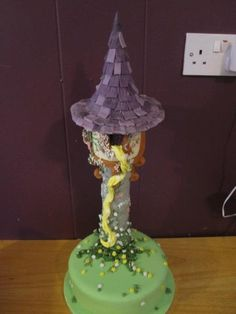 - My first attempt at a Tangled/Rapunzel cake for a friend& daughter& fifth birthday. Cake was vanilla cake with buttercream, fondant and royal icing. Fifth Birthday Cake, Themed Birthday Cakes, Themed Cakes, Birthday Ideas, Rapunzel Cake, Tangled Rapunzel, Buttercream Fondant, Daughter Birthday, Creative Cakes