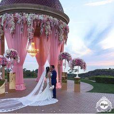 80 Vintage And Elegant Wedding Decoration Ideas In Spring & Summer Luxury Wedding, Elegant Wedding, Floral Wedding, Wedding Colors, Dream Wedding, Wedding Day, Garden Wedding, Wedding Events, Destination Wedding