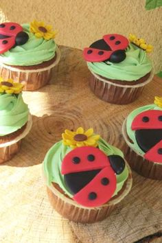 Don't miss this sweet ladybug birthday party! The cupcakes are so pretty! See more party ideas and share yours at CatchMyParty.com #catchmyparty #partyideas #ladybug #girlbirthdayparty #cupcakes Beautiful Cupcakes, Love Cupcakes, Vanilla Cupcakes, Chocolate Cupcakes, Ladybug Cakes, Ladybug Party, Girl Birthday, Birthday Parties, Cupcake Flavors