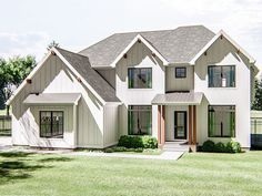 050H-0283: Two-Story Luxury House Plan; 3617 sf Two Story House Plans, 2 Story Houses, Architectural Design House Plans, Architecture Design, American Houses, Large Family Rooms, Upstairs Bedroom, Modern Farmhouse Plans, Luxury House Plans