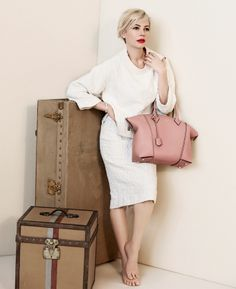 Michelle Williams with the Louis Vuitton Lockit Handbag.