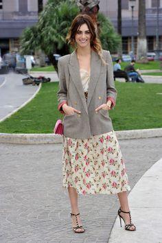 La giacca imprescindibile della Primavera 2018 è (ancora) il blazer, ma si abbina come fa Miriam Leone