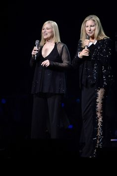 Photo & Video Special: Barbra Streisand (and Family) Wow in Sold Out O2 Concert for European Tour Debut.  Barbra and her sister Roslyn Kind.