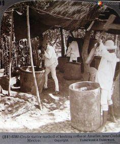 Fotos de Amatlán, Veracruz, México: Descascarando el Cafe Hacia 1900