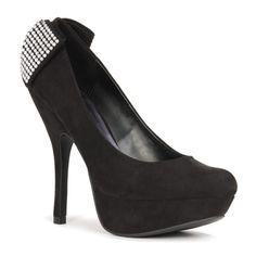 I think I'm in love. I can't wait until Tony gets out and he can buy me shoes!! It's going to be awesome!