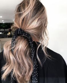 Lowlight obsessed recently! The perfect transition for fall hair without going completely to the dark side ! Southern Roots & Co. Scarf Hairstyles, Messy Hairstyles, Teenage Hairstyles, Wedding Hairstyles, Quinceanera Hairstyles, Wedding Updo, Hair Inspo, Hair Inspiration, Spiritual Inspiration