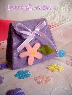 purse ----- favor ---- felt