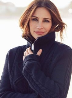 ae051f1cbf Julia Roberts is All Smiles for ELLE France Shoot