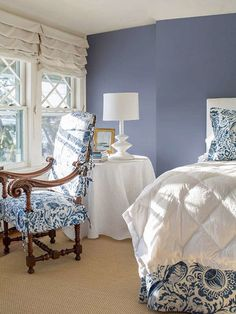 Let Benjamin Moore help you find color combinations and design inspiration for your perfect bedroom. Browse photos and get color ideas. Periwinkle Bedroom, Blue Bedroom, Cozy Bedroom, Home Decor Bedroom, Bedroom Wall, Master Bedroom, Bedroom Ideas, Periwinkle Blue, Benjamin Moore Bedroom