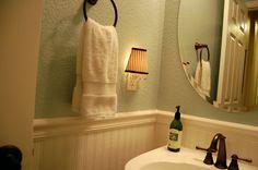 Image of: Beadboard Wallpaper for Bathroom