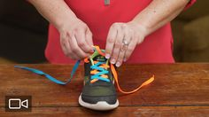 2-Minute Tutorial: How to Teach Your Child to Tie Shoes