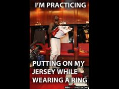 [Memes] LeBron James Practices Putting On His Jersey While Wearing A Big Ring