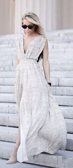 Stunning maxi dress.... | Street Fashion