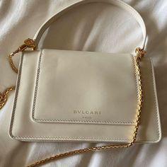 Dior, Chanel, Cute Purses, Cute Bags, Looks Vintage, Luxury Bags, Luxury Purses, Purses And Handbags, Fashion Bags