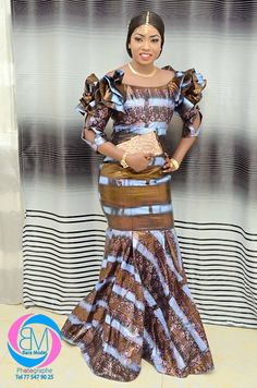 African Bridesmaid Dresses, African Maxi Dresses, African Attire, Dresses For Pregnant Women, Elegant Dresses For Women, Latest African Fashion Dresses, African Print Fashion, Beautiful African Women, African Traditional Dresses