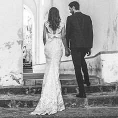 Los vestidos de @annacampbellbridal son simplemente increíbles! Ver fotos de novias reales con sus vestidos es maravilloso!!  . . . . #wedding #weddings #brides #bridalgown #bridalfashion #savethedate #boda #weddingdress #weddinginspo #weddinghair #weddingphoto #mariage #weddingdresses #weddingtime  #love #madrid #followme #matrimonio #fashions #fashion #bride #weddinginspiration #weddingideas #weddingstyle #свадьба #невеста
