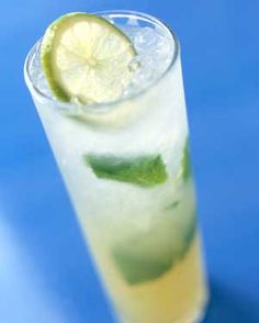 Mojito Sparkler Sip this refreshing icy cocktail of rum, fresh mint, lime juice, sugar and a splash of club soda in a tall glass.