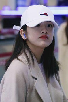 Yujin Yujin is one of my favorite member of kpop izone I love kpop and l love korea Kpop Girl Groups, Kpop Girls, Secret Song, Korean Girl Band, Role Player, Female Head, Yu Jin, Japanese Girl Group, Famous Girls