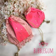 Picture from Ozel Bir Sey Photo Gallery on WedMeGood. Browse more such photos & get inspiration for your wedding Wedding Favor Boxes, Wedding Gifts, Ladies Side Bags, Party Photo Frame, Ankara Styles For Kids, Shabby Chic Art, Potli Bags, Burlap Bags, Bag Display