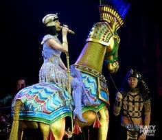 The O2 Arena in London, England - 05.30 [HQ] - 14353331394 48c3eeeec9 o - Katy Perry Brasil Photo Gallery