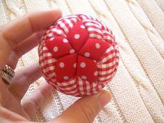 NunaPresents: Bolas de Natal em Patchwork                                                                                                                                                                                 Mais