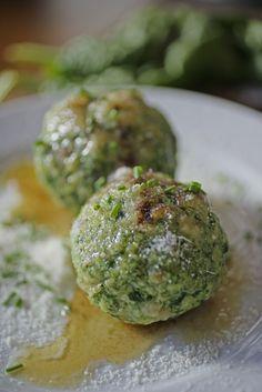 Canederli alle ortiche - ricette tipiche dall'Alto Adige, Gallo Rosso