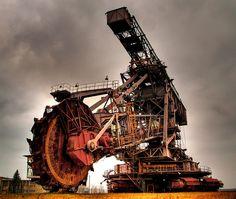 Bucket wheel excavator... Really big digging machine!