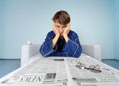 Studien zeigen: Langzeitarbeitslosigkeit hat massiven (negativen) Einfluss auf die Psyche und die Persönlichkeit der Arbeitslosen...  http://karrierebibel.de/langzeitarbeitslosigkeit/