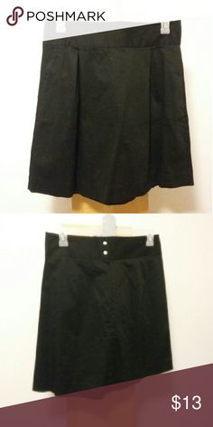 New Old Navy High Waisted Skirt! New Old Navy High Waisted Skirt! Front pockets  Nwots Firm Old Navy Skirts A-Line or Full