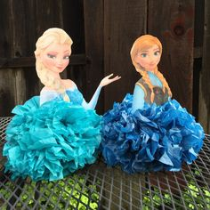 These Elsa and Anna Pom Pom Centerpieces are the perfect addition to your little ones Frozen themed party table decor! *** This listing is for ONE Elsa or Anna Centerpiece. Frozen Themed Birthday Party, Disney Princess Birthday, Frozen Birthday Party, Frozen Party, Frozen Centerpieces, Frozen Table Decorations, Fete Emma, Festa Frozen Fever, Ana Frozen