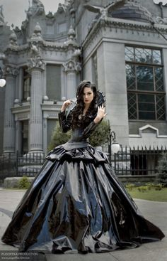 gothichorrorpictureshow:    Author: Pugoffka    WEDDING DRESS PLEASE