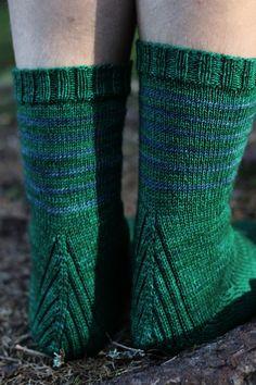 Vanilla is the new black Crochet Socks, Knitting Socks, Hand Knitting, Boot Toppers, Knitting Blogs, Wool Socks, Sock Shoes, Leg Warmers, Handicraft