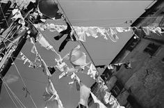 Werner Bischof 1946 ITALY. City of Genoa. Clothlines. 1946.