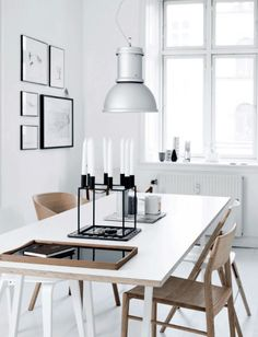 Kitchen table in the lovely Copenhagen apartment of an architect. Tia Borgsmidt / Mette Helena Rasmussen.