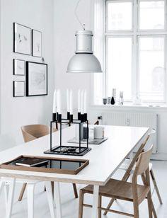 Kitchen table in the lovely Copenhagen apartment of an architect. Tia Borgsmidt / Mette Helena Rasmussen.