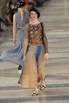 Chanel Resort 2017 Fashion Show - Stella Lucia