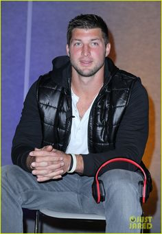 Tim Tebow: Soul Electronics CES 2014 Press Conference! | tim tebow soul electronics ces 2014 conference 08 - Photo